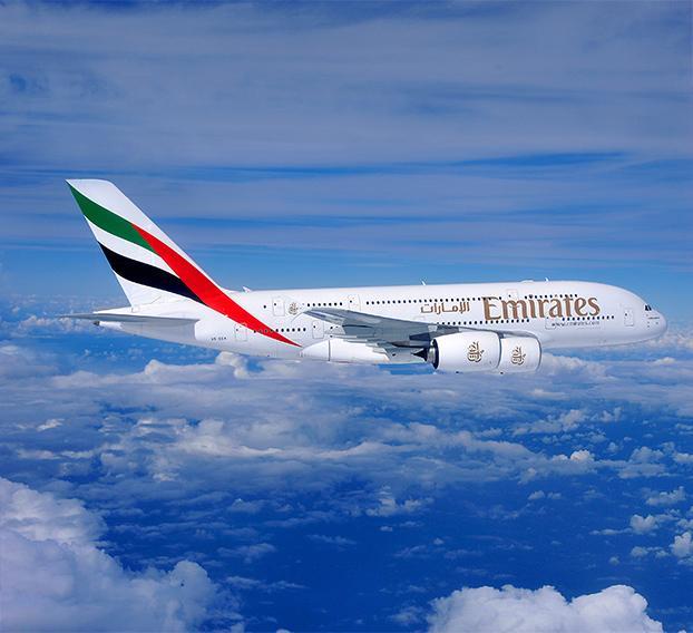 Emirates planeia eliminar até 9 mil postos de trabalho