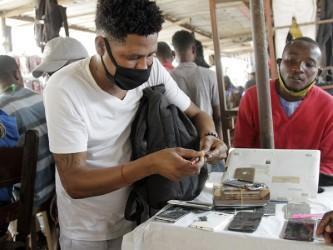 Mestres dos Congolenses resistem à crise