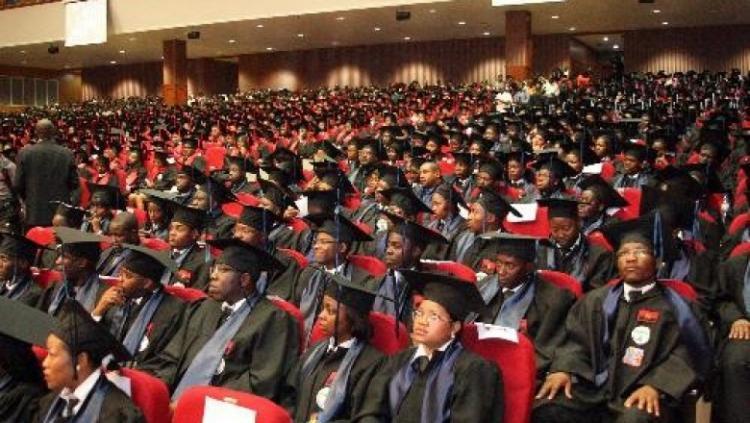 Universidades privadas vão dispensar 27 mil colaboradores