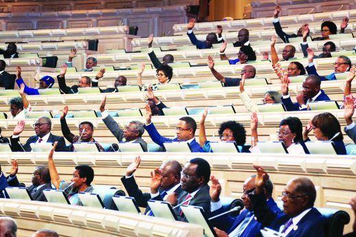 Deputados aprovam proposta de lei para envio de missões