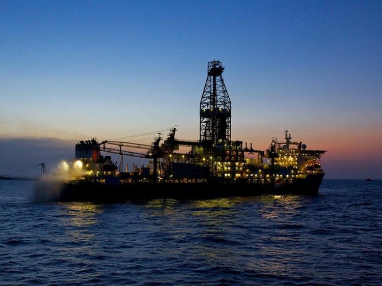 Arábia Saudita ameaça vender petróleo barato aos compradores de Angola