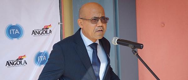 """""""Angola Cables taxa em dólares e nós, operadores, não podemos"""""""