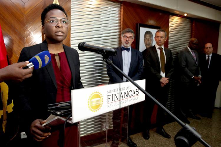 Angola entre os países africanos que defendem suspensão da dívida