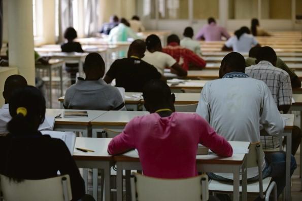 Angola beneficia 50 bolsas de estudo da Hungria