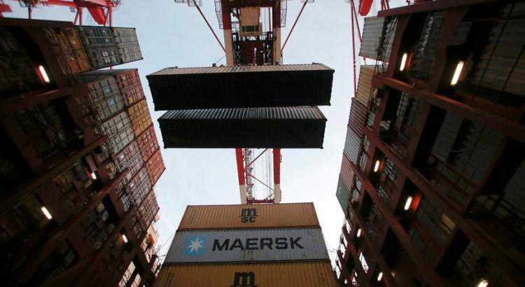 Exportações para Angola caem 30% e importações descem 50%