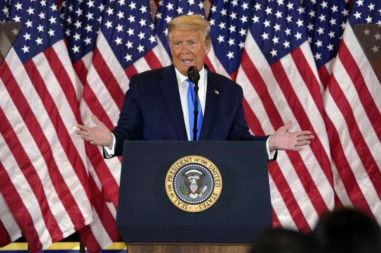 Media repreendem Trump por anunciar vitória