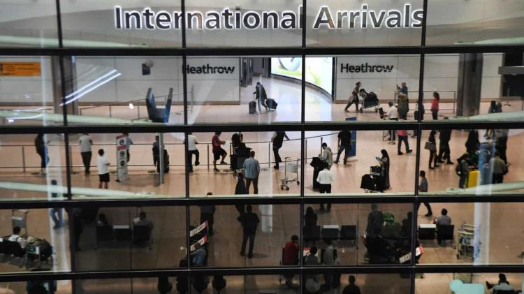 Reino Unido retira Dinamarca da lista de corredores aéreos seguros