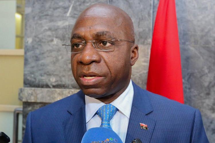 Angola e São Tomé assinam acordo de Isenção de Vistos