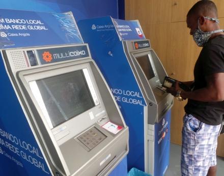 Banco central recomenda alternativas às caixas automáticas