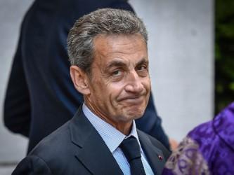 Ex-presidente francês  nega qualquer irregularidade