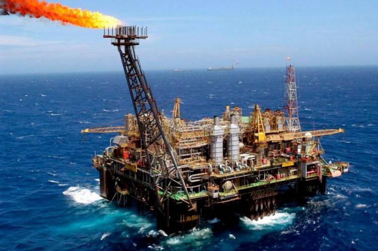 Produção petrolífera de Angola chega a 1,3 milhões