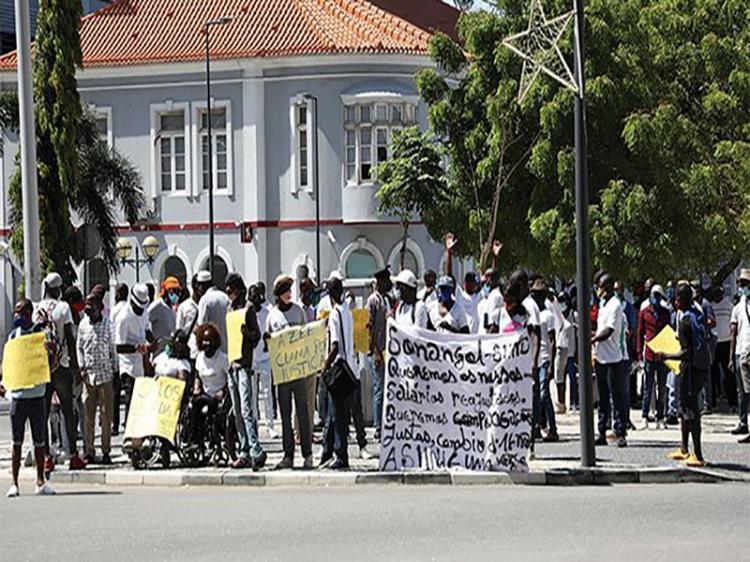 Sindicato acusa IGAPE e Sonangol de violarem lei do trabalho