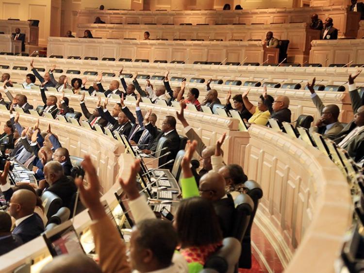 Actividade  económica com novas leis aprovadas no Parlamento