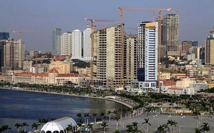 Economia angolana caiu 6,5% em 2020