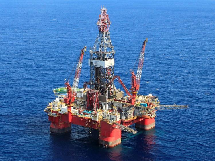 Petróleo garante 99% do investimento directo