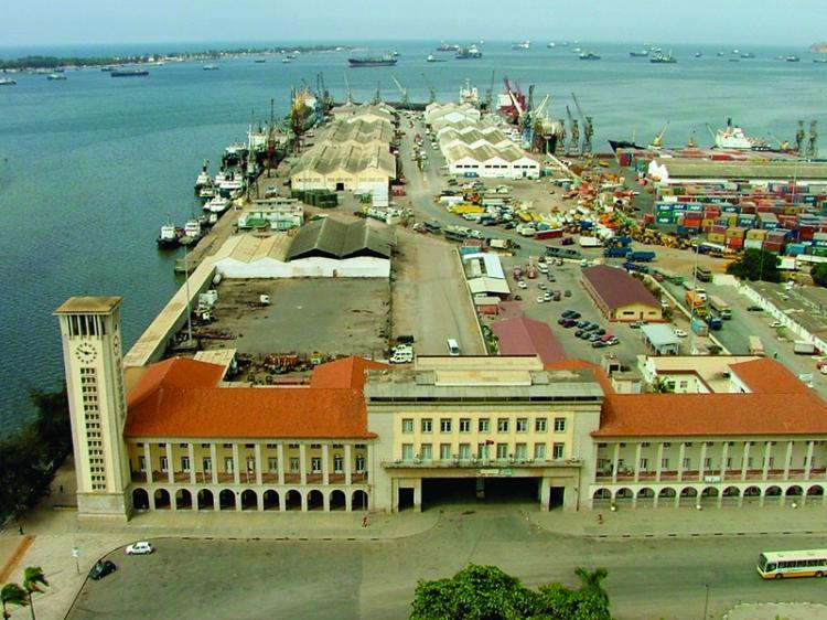 Porto de Luanda nas mãos da DP World