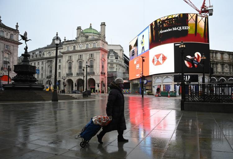 Reino Unido proíbe viagens de países africanos