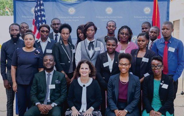 Embaixada americana concede bolsas de estudo