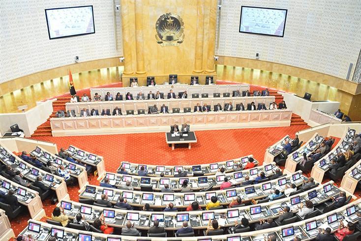 AN vota proposta de revisão constitucional