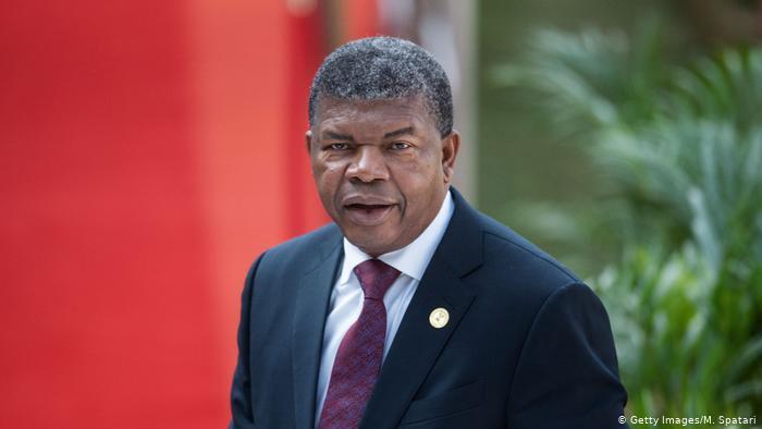 João Lourenço anuncia revisão pontual da Constituição