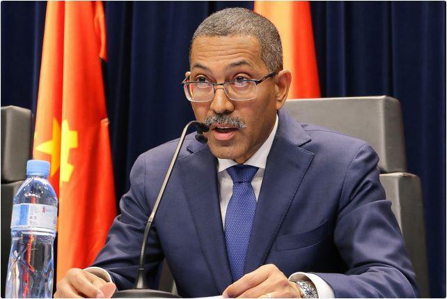 Angola lança a 30 deste mês licitação de nove blocos petrolíferos