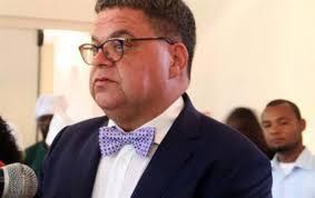 Carlos São Vicente queixa-se contra Angola na Comissão Africana dos Direitos Humanos