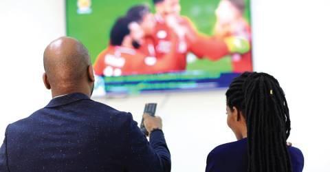 Suspensão das tvs criticada