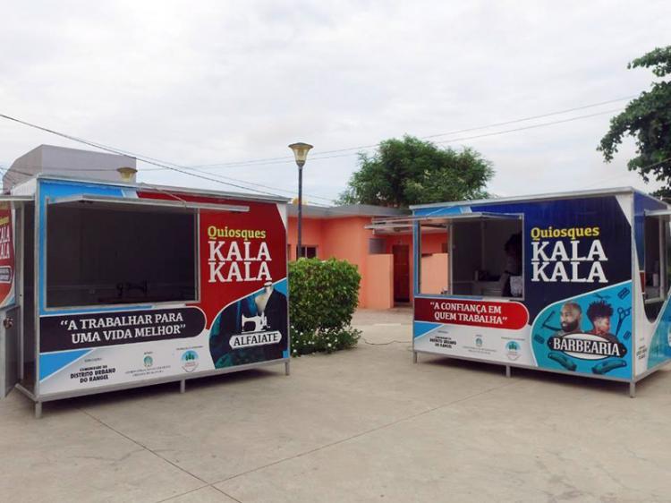 Artistas e microempreendedores recebem quiosques em Luanda