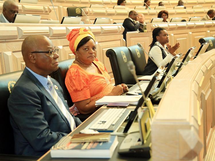 Oposição quer círculo eleitoral na diáspora