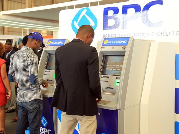 BPC nega cartões multicaixa a clientes sem salários domiciliados