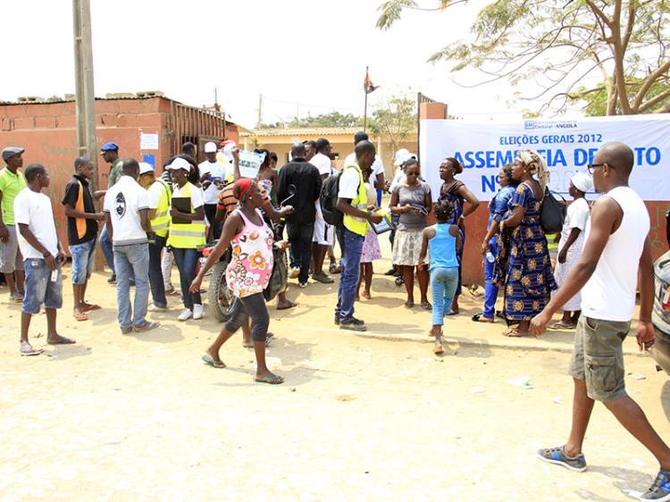 9 em cada 10 angolanos contestam Tribunal Constitucional